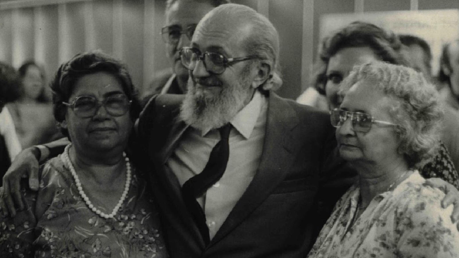 Paulo Freire after his return to Brazil after 16 years in exile. Photo: 1979 by Folhapress
